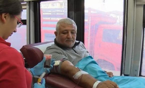 Türkiye iyileşmiş hasta kanıyla koronavirüs tedavisine başlıyor