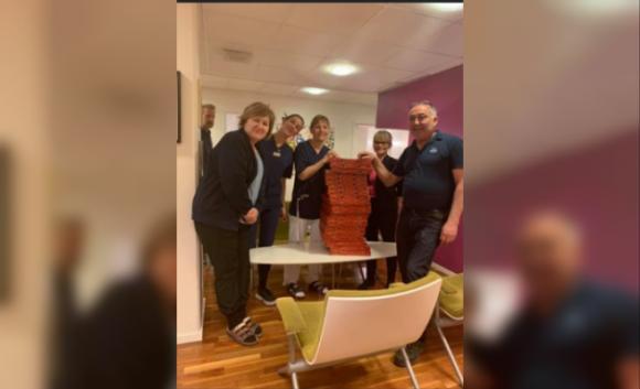 İsveç'te Kululu gurbetçiden sağlıkçılara jest