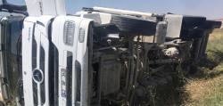 Kulu'da tır devrildi: Şoför yara almadan kurtuldu